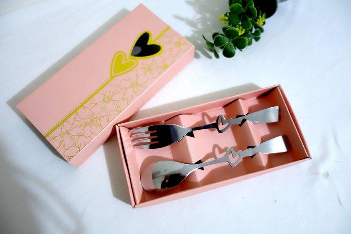 S8全新 愛心刀叉餐具組  盒裝 小湯匙 叉子  兒童餐具 現貨