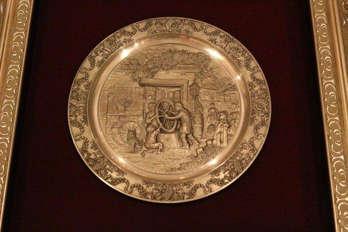 【家與收藏】特價稀有珍藏歐洲古董德國古典精緻浮雕限量錫盤掛畫擺飾/掛盤1