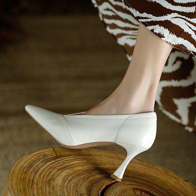 Fashion四季麗人鞋櫃 炒軟顯瘦炒軟法式復古尖頭高跟鞋女2021細跟奶奶鞋氣質V口單鞋