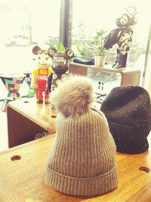 [ RainDaniel ] KARL DONOGHUE 英國針織品牌 Pom Pom Beanie 蘑菇灰 毛球針織帽