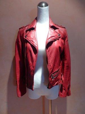 【時尚敗金女】歷久不敗極品 秀上model最愛 購買於「Secret  Service」深紅短版騎士外套 (二手九成新)