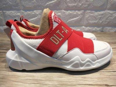 Skechers 斯凱奇 新款 DLT-A 狗年限量版運動鞋66666095