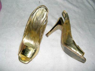 @╮全面淨空大特賣╭@五十一元亂亂標~~金色時尚別緻高跟鞋