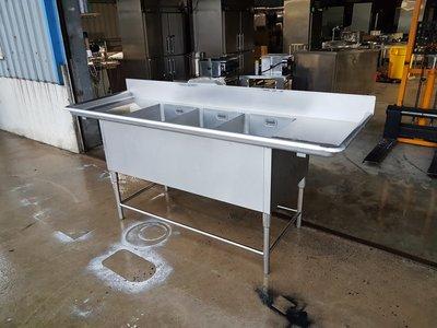 鑫忠廚房設備-餐飲設備:二手三口深水槽雙平台-賣場有西餐爐-冰箱-工作臺-微波爐-快速爐-煙罩