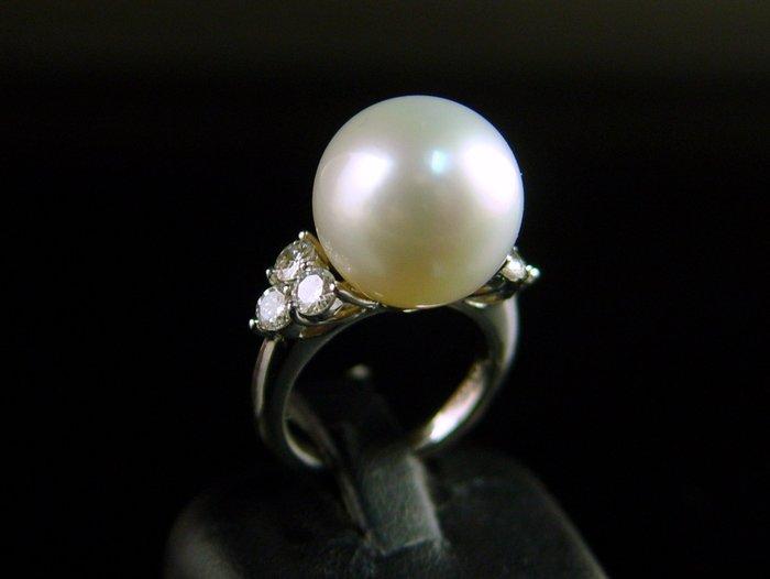 女人專屬的寶石 頂級南洋珍珠 海水真珠 白珠14mm 鑽石戒指 PT900鉑金 附保證書【大千珠寶】台北五十年寶石專賣店