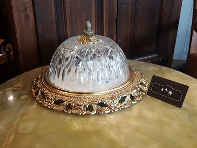 【卡卡頌 歐洲跳蚤市場/歐洲古董】歐洲老件_法國 典雅雕刻玻璃 厚實老件 雕刻花邊 歐式 法式 吸頂燈 l0209✬