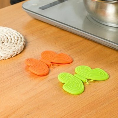 ☜shop go☞【L109】居家單一入 蝴蝶矽膠隔熱夾 防燙防滑碗夾 微波爐隔熱手套 烤箱護手器 廚房小物 蝴蝶造型