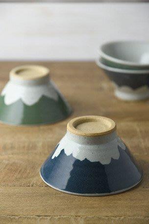 發現花園生活館~ 日本製 美濃燒 手作  高台飯碗~富士山 / 水玉點點