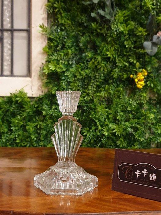 【卡卡頌  歐洲古董】法國老件  老水晶玻璃  立體雕刻  造型燭台 (提供租借 拍片) g0510✬