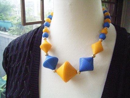 60年代西洋古董 古著 老物 黃色藍色陀螺摩登菱形珠珠項鍊