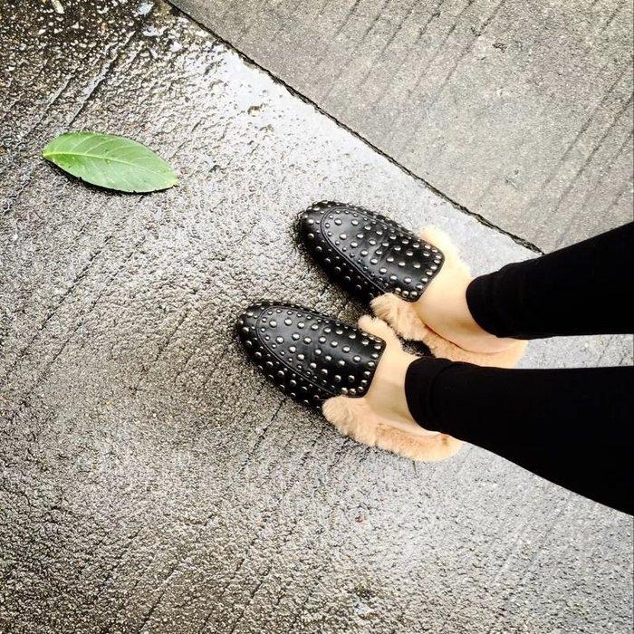 滿滿溫暖感 美國品牌 連鞋底都長毛 鉚釘 平底鞋  樂福鞋 37.5/38/39/40現+預購(ZXZ3)