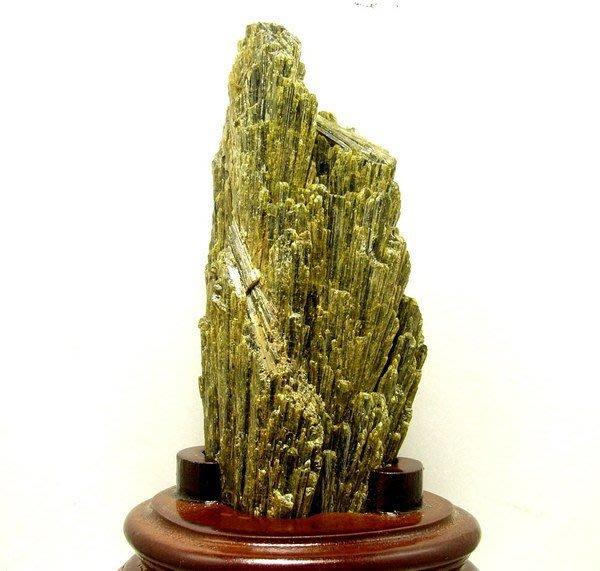 小風鈴~天然綠碧璽原礦(電氣石).順絲生長.產量稀少.重:255g