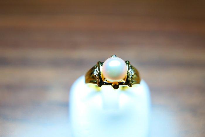 [吉宏精品交流中心]6.3mm 白色 天然珍珠 天然鑽石 黃K金 造型 戒指
