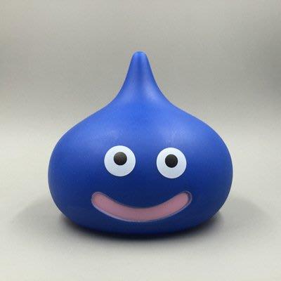 日本ps4勇者鬥惡龍 史萊姆塑膠公仔存錢筒 藍色史萊姆存錢罐 遊戲精靈怪物公仔 史萊姆公仔