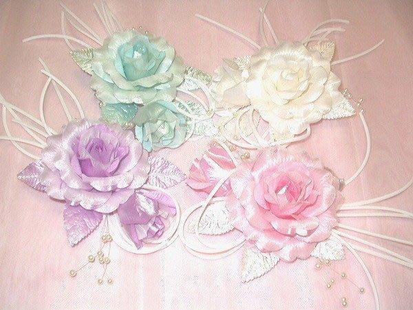 B. & W. world *美美的花飾*R13186**大玫瑰花苞組合*多用途*神采飛揚**顏色可自選