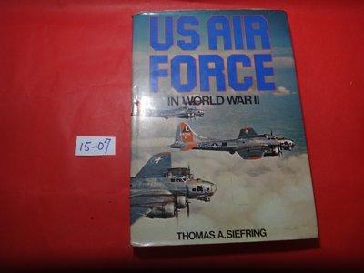 【愛悅二手書坊 15-07】Us Air Force In World War II(書口寫字)