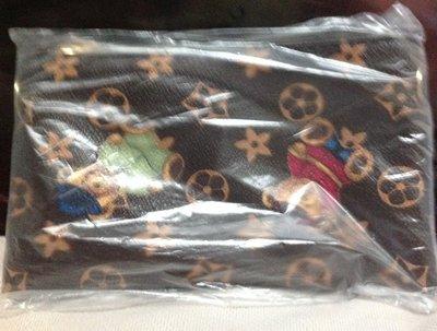 全新長版錢包側背包上面有泰迪熊