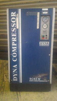 DYNA中古10HP螺旋式空壓機 套裝方案包含儲氣桶 冷凍乾燥機(中古機庫存 不定期更新)