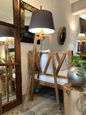 Triangle Floor Lamp-老柚木立燈
