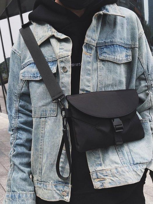 單肩包男土酷包斜挎小包女零錢包蹦迪手機包嘻哈街頭潮流學生個性單肩包男
