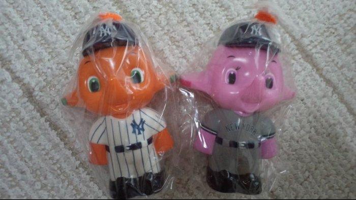 佐藤製藥 New York  Yankees Sato 匠 大象公仔,日本帶回全新未拆 主客場兩隻一起賣。田中將大