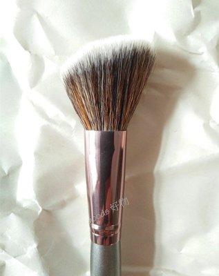 【goods好物】bh cosmetics 高雅新品 斜角修容刷 腮紅刷 Vegan Contour Brush-V3