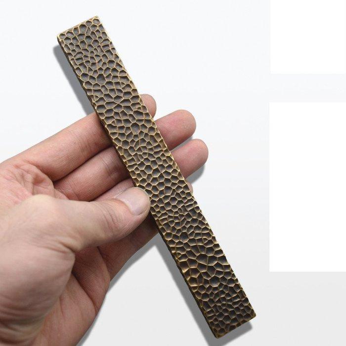 18cm 純銅創意純手工錘紋鎮紙文房四寶銅鎮尺書法國畫壓紙單鎮