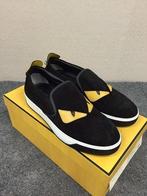 代購【FENDI】皮革黃眼睛 後跟鉚釘 黑色麂皮懶人鞋 SLIP ON *20%OFF*