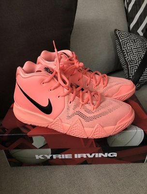 Nike 女生球鞋Kyrie 4 籃球鞋 厄文4代 atomic pink 粉色 女生籃球鞋