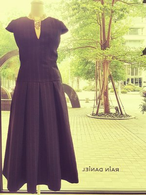 [RainDaniel] AMANDA WAKELEY 英國輕奢品牌 Midi Occasion階梯刺繡 深V褶擺洋裝