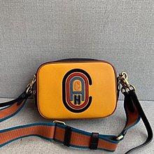 【小怡代購】 全新 COACH 79278 新款女士Camera 相機包 寬肩帶女包 經典C字徽章刺繡圖 超低直購