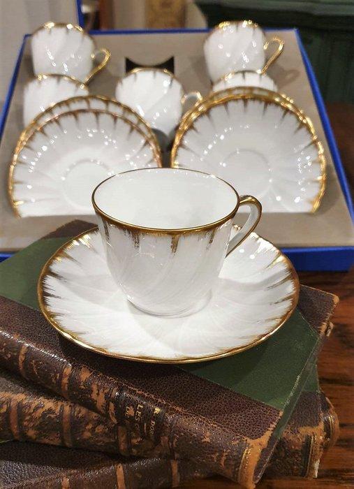 【卡卡頌 歐洲古董】法國 LIMOGES 利摩日(老件盒裝未用~ 嶄新) 細膩 浮雕白瓷  K金 杯碟六組  p1797