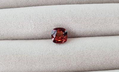 揚邵一品 天然無燒 緬甸橘棕色尖晶石1.37克拉 沉穩但鮮明的色彩 適合做首飾 歡迎收藏(非緬甸絕地武士霓虹紅寶石)