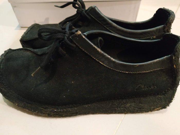 [真品二手出清] 英國 Clarks 原價6900元 黑色 26公分 US-8 牛津鞋 復古 真皮 麂皮 非camper