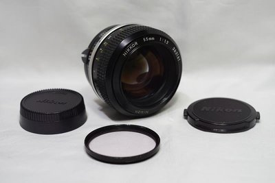 夜之眼 Nikon NIKKOR 55mm F1.2