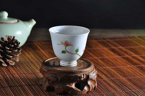 【茶嶺古道】手繪 白瓷 紅薵花 新和音杯 / 品茗杯 茶杯 玉瓷 功夫茶具 茶道用具