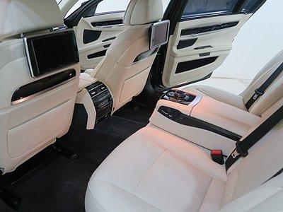BMW 760 Individual F01 F02 F04 F07 F10 F11 740 750 後椅背鋼琴烤漆飾板