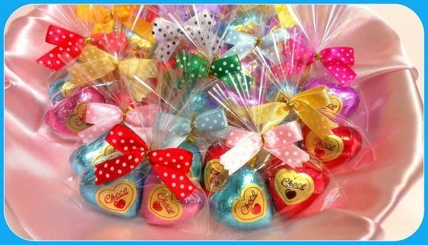 歡樂美滿時光~~愛相隨巧克力&蝴蝶結+小卡+貼紙OPP包裝@10元x200個=2000元.運費另計