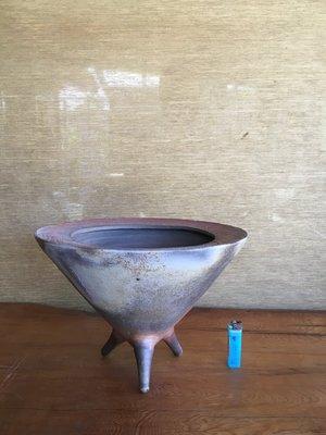 (店舖不續租清倉大拍賣)簡銘炤先生--柴燒三足花器,原價46000元特價23000元