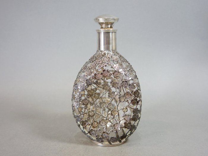 『華寶軒』 日本茶道具 昭和時期 純銀雕梅花 手工玻璃酒瓶 重549克