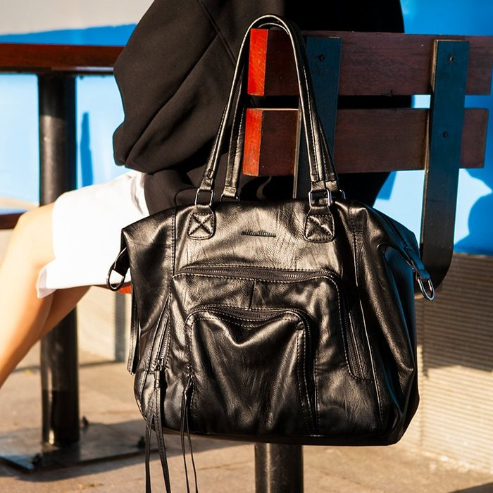 真皮女包 單肩包 斜挎大包 新款潮時尚簡約包 百搭大容量軟皮手提包【May Cool】