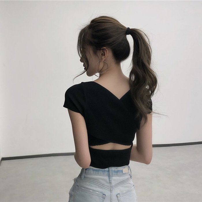 夏天裝女生V領鏤空露肚臍裝顯瘦上衣服衣著氣質修身純色素色短袖針織洋裝內搭打底衫6-14