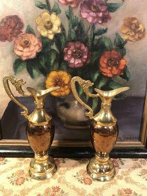 歐洲古物時尚雜貨 英國 金屬浮雕單耳壺 器皿 花瓶 擺飾品 古董收藏 一組2件