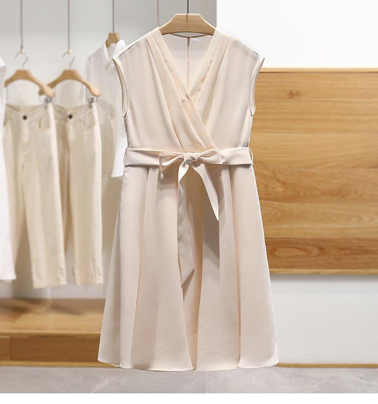【木風小舖】氣質款 純色壓摺斜紋雪紡綁帶洋裝*深藍、杏