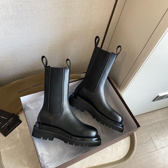 BV 20ss厚底短靴 萬能百搭單品 進口油蠟樹膏小牛皮鞋面 馬丁靴女潮ins英倫風2020年新款秋冬季加絨中筒切爾西煙