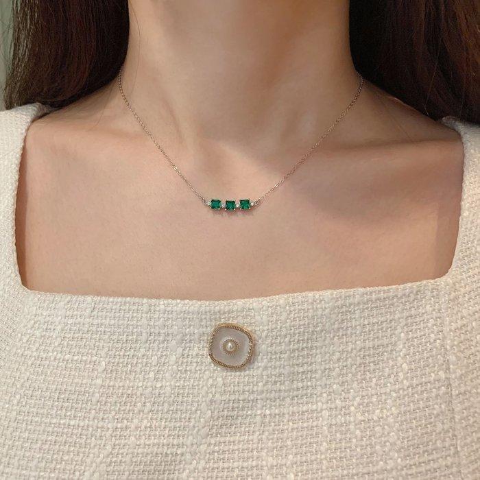 CN 優雅氣質 S925純銀方形祖母綠色5A閃亮鋯石項鍊 短鍊
