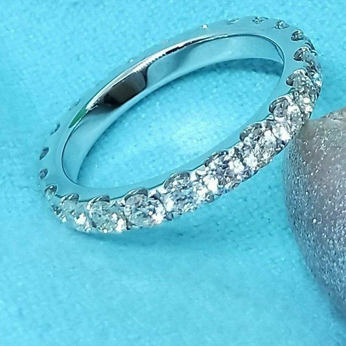 線戒排戒16粒進口莫桑鑽寶精心設計18k黃金玫瑰金鉑金戒檯可選色 視覺雅緻鑲鑽石戒指求婚 結婚情人節禮物莫桑石 ZB莫桑鑽寶特價訂製