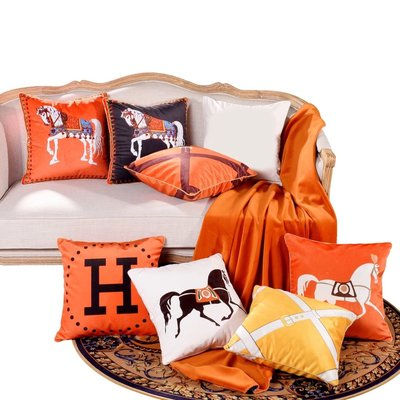 愛馬仕抱枕靠枕枕頭靠墊居家裝飾沙發客廳擺件Hermès 45*45 不含芯