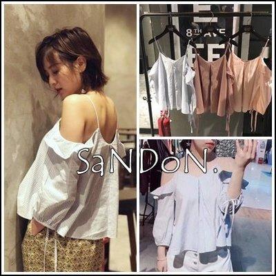 SaNDoN x『moussy』小女人必備 露肩v領吊帶綁帶荷葉邊吊帶襯衫式上衣 sly 180504