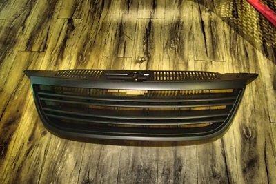 DJD19032813 V.W. Tiguan 前水箱罩 無LOGO版